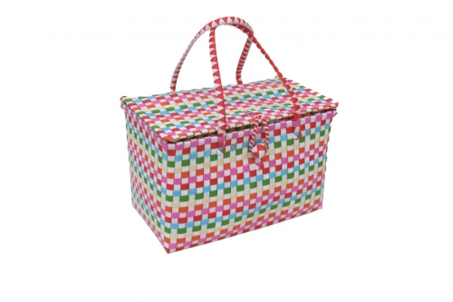 Baskets & rattan bags