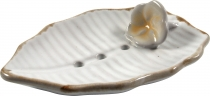 Ceramic soap dish `leaf-white